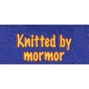 Label dobbeltsidet Knitted by Mormor Marineblå