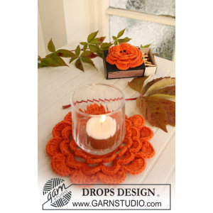 Pumpkin Blossom by DROPS Design - Halloween Pynt Hekleoppskrift