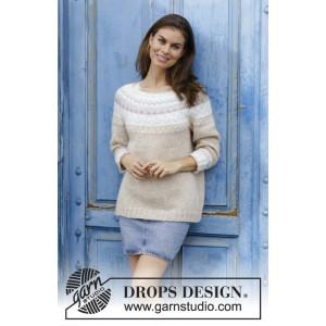 Nougatby DROPS Design - Bluse Strikkeoppskrift str. S - XXXL