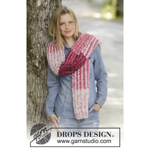 Raspberry Hug by DROPS Design - Skjerf Strikkeoppskrift 173x32 cm