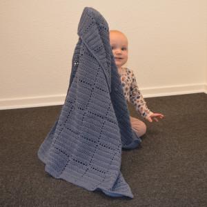Nordic Baby Merino Babyteppe av Rito Krea - Babyteppe Hekleoppskrift 70x100cm