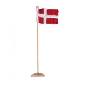 Strikket Dannebrogsflagg av Rito Krea - Flagg Strikkeoppskrift 12x16cm