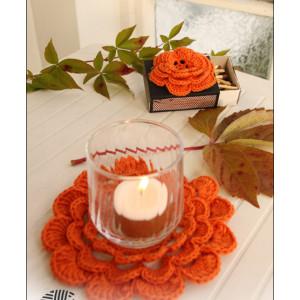 Pumpkin Blossom by DROPS Design - Halloween Pynt Hekleoppskrift