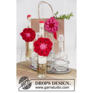Festive Flowers by DROPS Design - Blomst Hekleoppskrift Ø 8 cm