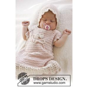 Beth by DROPS Design - Baby Kjole Hekleoppskrift str. 0/1 mdr - 3/4 år