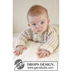 Little Darcy by DROPS Design - Baby Jakke Strikkeoppskrift str. 1 mdr - 4 år