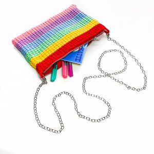 Rainbow Clutch av Rito Krea - Veske Hekleoppskrift 22x14cm