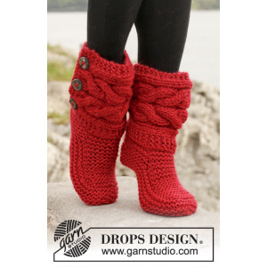 Little Red Riding Slippers by DROPS Design - Tøfler med fletter Strikkeoppskrift str. 35 - 42
