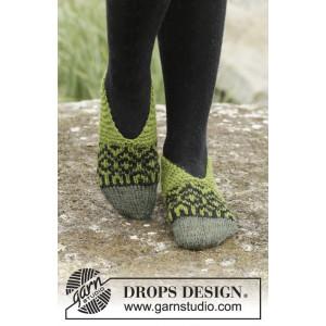 Olive Love by DROPS Design - Tøfler Strikkeoppskrift str. 35 - 42