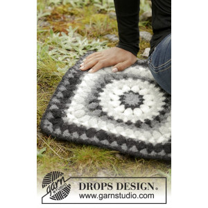 Slate Rose by DROPS Design - Sitteunderlag Hekleoppskrift 36x36 cm