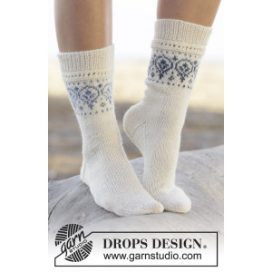 Nordic Summer Socks by DROPS Design - Sokker Strikkeoppskrift str. 35 - 43