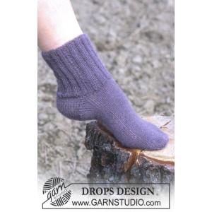 Cosy Rib Ankle Socks by DROPS Design - Sokker Strikkeoppskrift str. 35 - 44