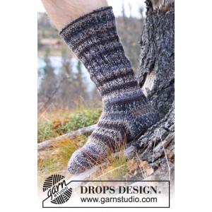Dusk by DROPS Design - Sokker Strikkeoppskrift str. 38 - 46