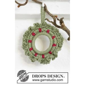 Winterberry by DROPS Design - Julekrans Hekleoppskrift 8,5 cm
