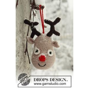 Rudolf by DROPS Design - Rensdyr julepynt Hekleoppskrift 14 cm