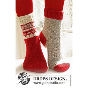Twinkle Toes by DROPS Design 1 - Julesokker Grå med Lus Mønster Strikkeopskrift str. 22/23 - 41/43
