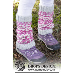 Forest Dance Legwarmers by DROPS Design - Leggvarmere Strikkeoppskrift str. 3 - 12 år