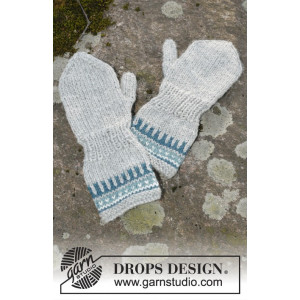 Wild Blueberrie Mittens by DROPS Design - Votter Strikkeoppskrift str. 12 mdr - 6 år