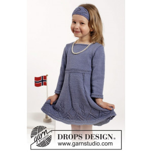 Wendy Darling by DROPS Design - Kjole og Hårbånd Strikkeoppskrift str. 2 - 10 år