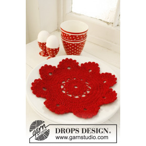 Christmas Dinner by DROPS Design - Brikke Hekleoppskrift 24 cm
